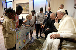 Share International October 2017 images, His Holiness Pope Francis issued a message at the Vatican, prior to his participation in the World Day of Migrants and Refugees on 14 January 2018