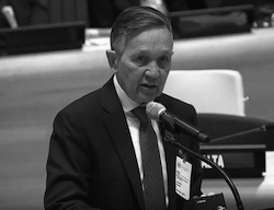 Share International November 2017 images, Dennis J. Kucinich, addressing the UN General Assembly