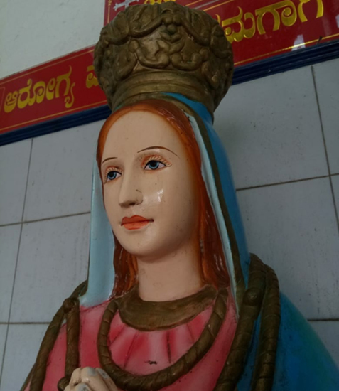 Share International October 2018 images, At the end of August 2018, a statue of the Madonna in the shrine of Our Lady of Health Church in Harihar, in Karnataka state, India was reported to have been weeping